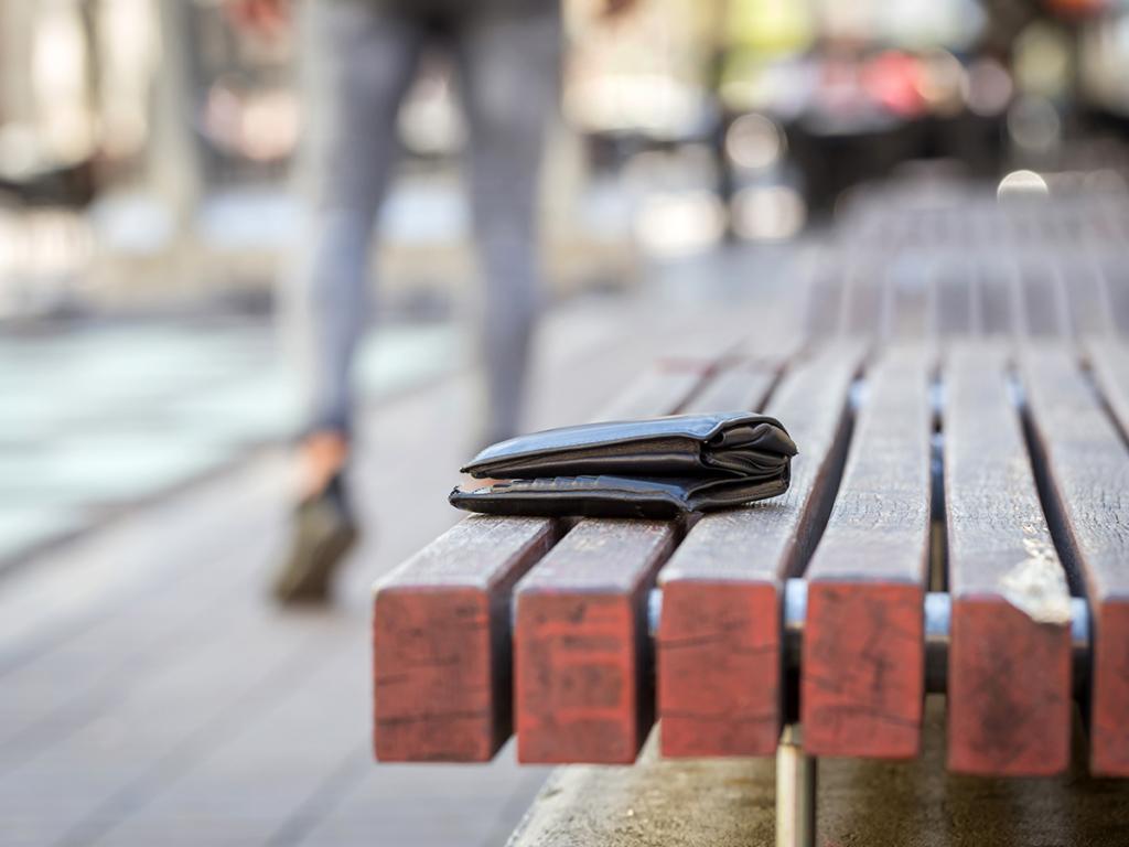 Zgubiony portfel - co robić? 5 zasad na bezpieczne wyjście z sytuacji!